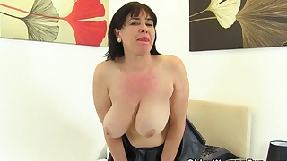 MILF mature bbw porn in solo mode bedroom