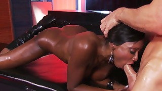 Stunning ebony doll fucked by a long pole