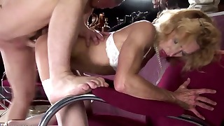 Beautiful GILF mature is trying hardcore ssex