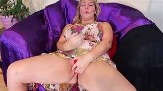 Stunning solo mature orgasm porn action