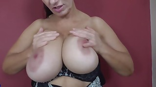 Solo mature orgasm with a nice brunette