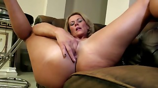 Excellent mom MILF opens her shaved pussy